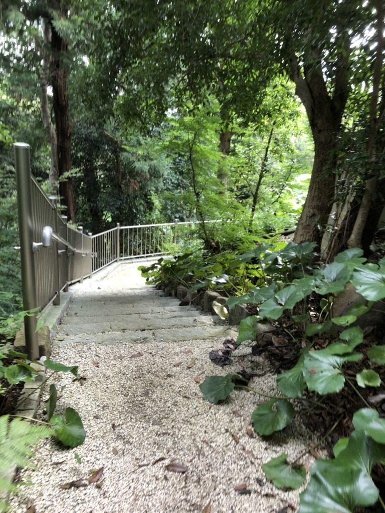 静嘉堂文庫美術館 日本庭園