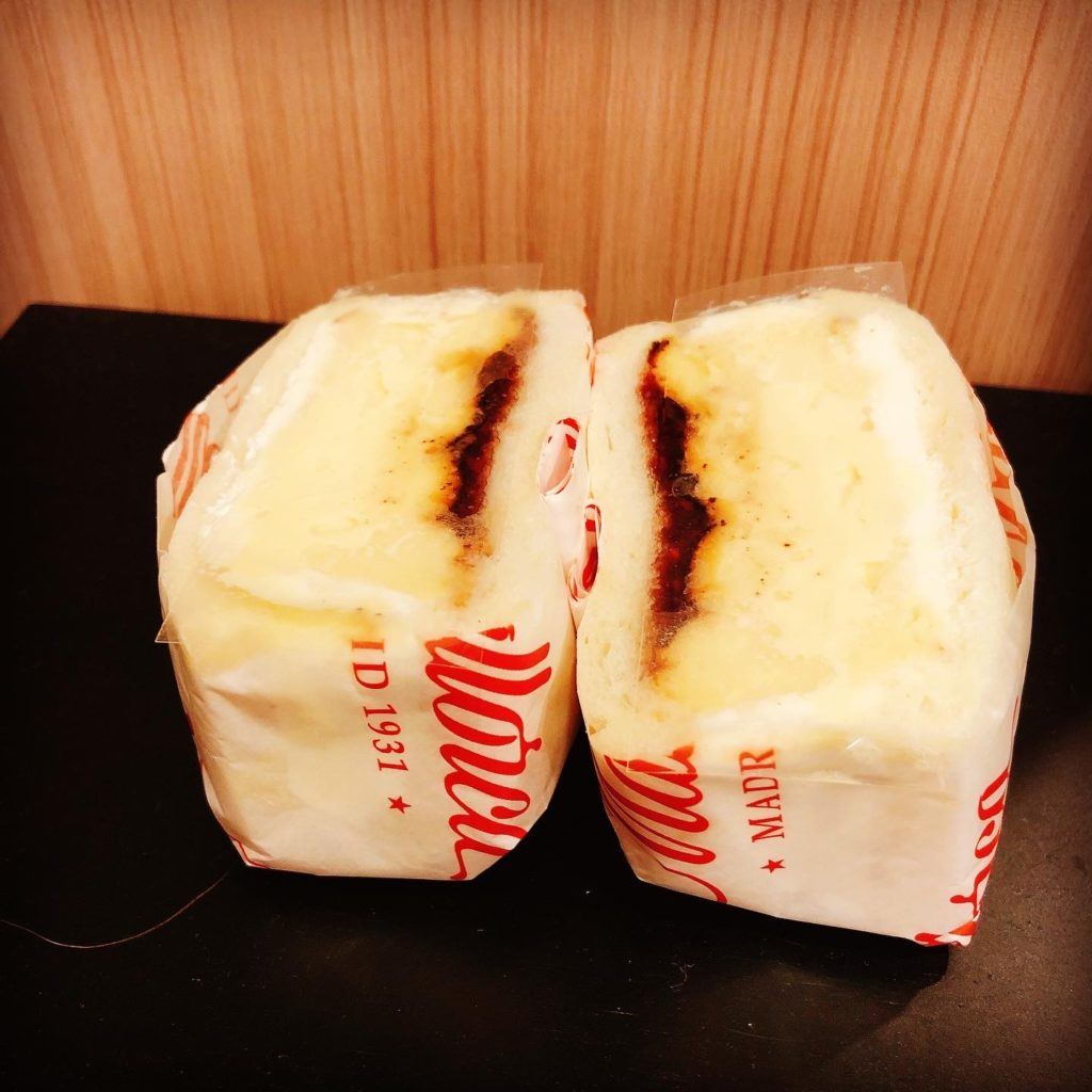 バスクチーズケーキサンド