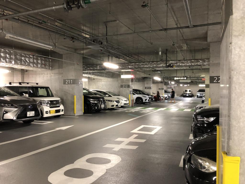 マロニエコート駐車場